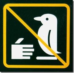 Placa_Nao_Cumprimente_Pinguim